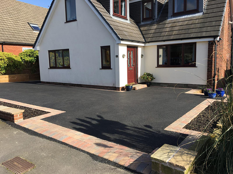 How to Make a Tarmac Driveway More Attractive